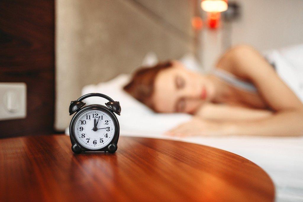Se lever le matin est dur parfois surtout le lundi pour aller au travail. Inscrits à Pole Emploi, étudiants, tout le monde c'est le même effet du réveil  !